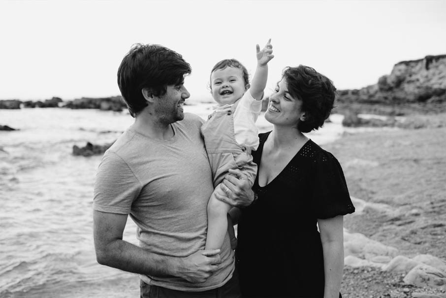 Sesión de fotos de familia en exteriores. Fotógrafo de bodas en Asturias